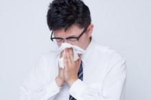 蓄膿症で膿をかむ